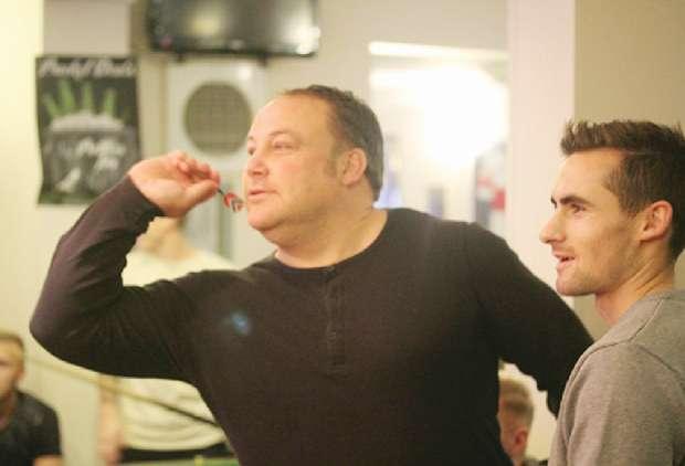 North Ferriby boss Steve Housham tries his hand at darts