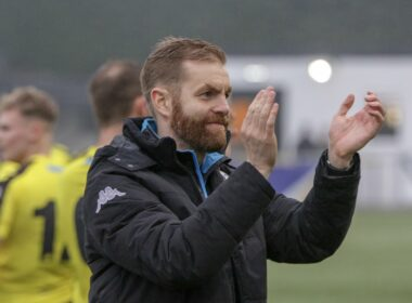 NL Full Time Harrogate Town boss Simon Weaver