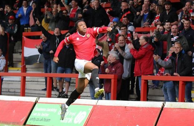 Tunde Owolabi FC United of Manchester
